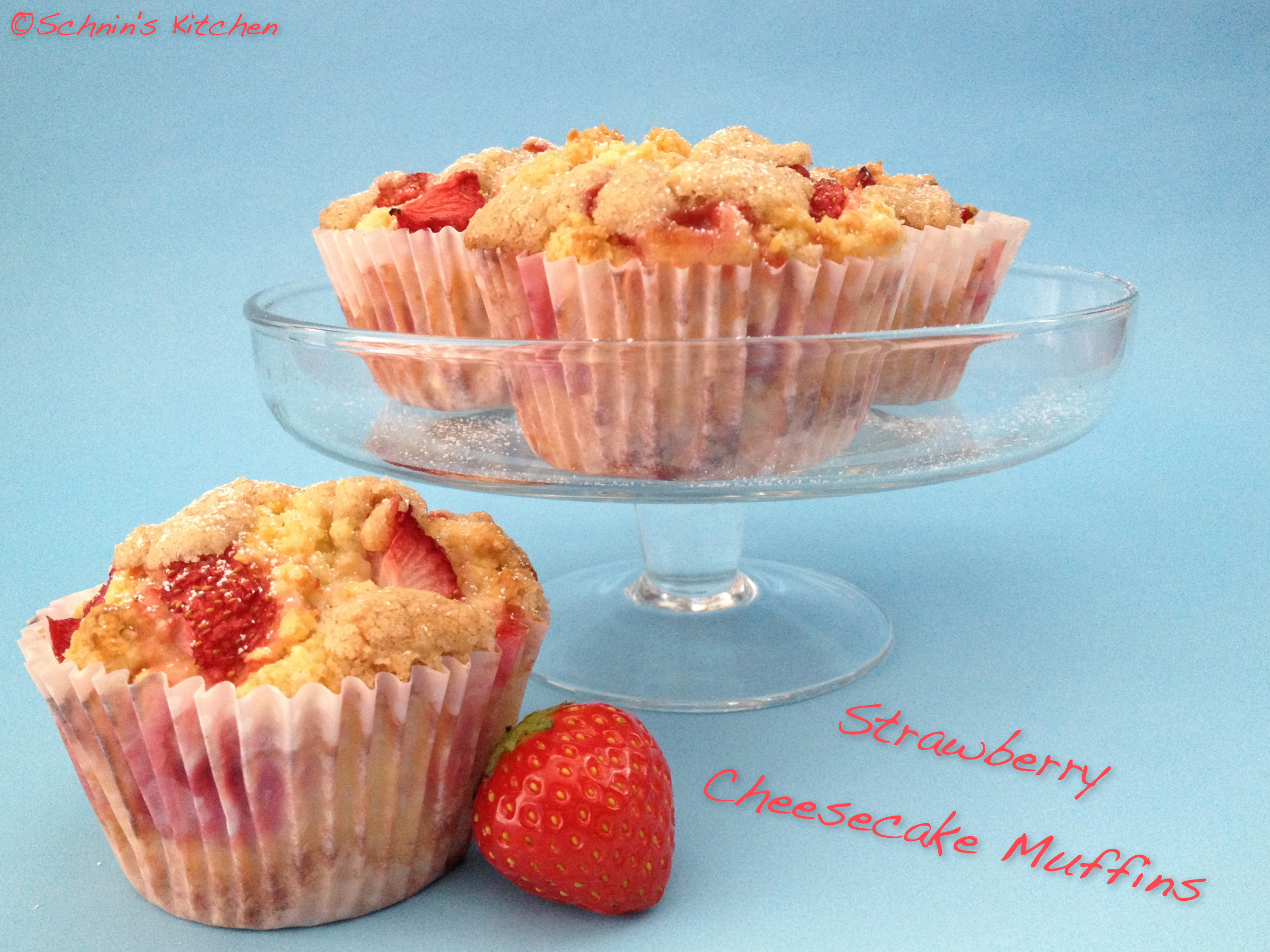 Schnin's Kitchen: Strawberry Cheesecake Muffins