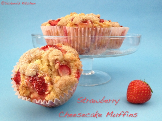 Schnin's Kitchen: Strawberry Cheesecake Muffins