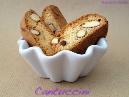 Schnin's Kitchen: Cantuccini