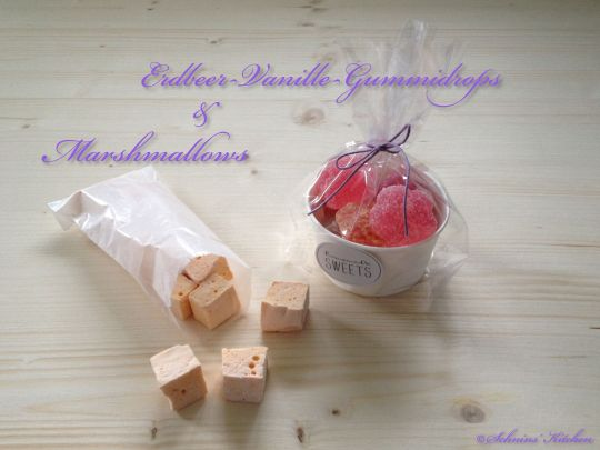 Schnin's Kitchen: Süße Postkette mit Erdbeer-Vanille-Gummidrops & Halloween-Marshmallows