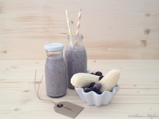Schnin's Kitchen: Bananen-Blaubeer-Milchshake