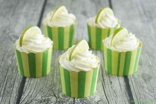 Schnin's Kitchen: {Ich back's mir} Caipirinha-Cupcakes