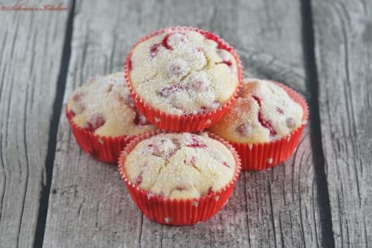 Schnin's Kitchen: Johannisbeer-Schmand-Muffins