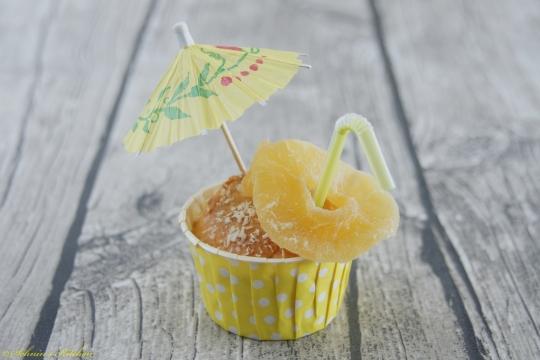 Schnin's Kitchen: Kokos trifft Ananas - Pina Colada Muffins