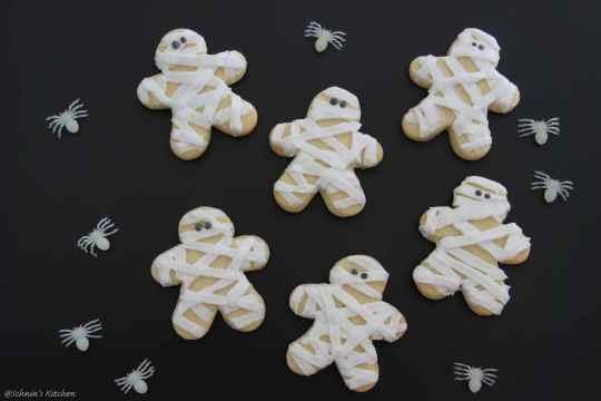 Schnin's Kitchen: Süßes oder Saures - Halloween-Cookies mit Royal Icing