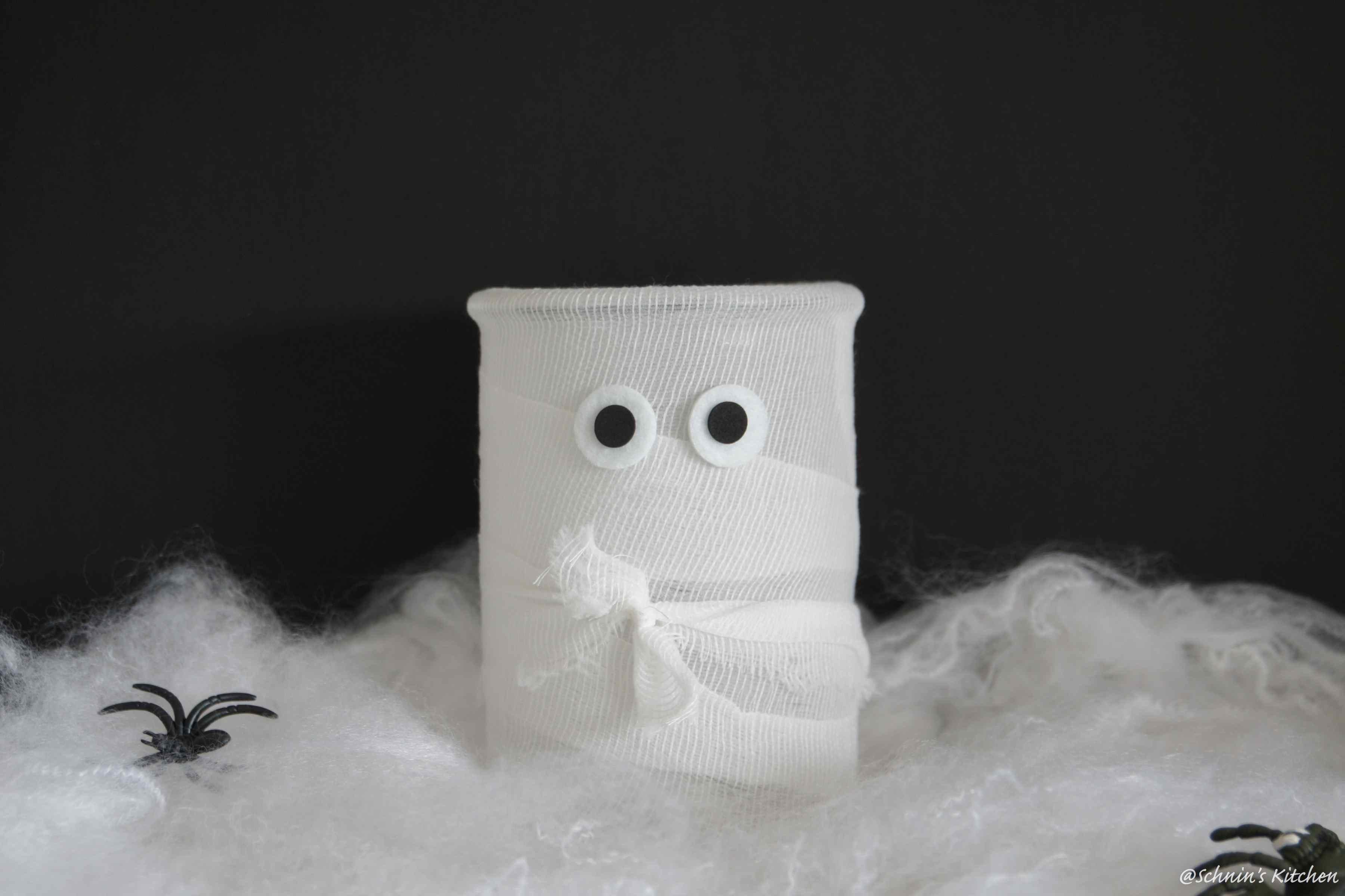 halloween diy t rkranz windlicht die mumien sind los schnin 39 s kitchen. Black Bedroom Furniture Sets. Home Design Ideas